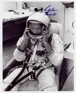 Mercury,Gemini ,Apollo and Skylab Astronauts: September 2005