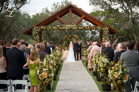 elegant outdoor wedding ceremony site near san antonio boulder springs