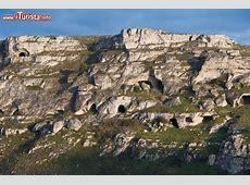 Le grotte paleolitiche del parco delle chiese Foto
