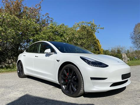 18+ What Does Performance Tesla 3 Come With Pictures