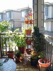 Kleinen Balkon Gestalten Günstig : kleinen balkon gestalten gnstig wohnbeispiele von der ~ Michelbontemps.com Haus und Dekorationen