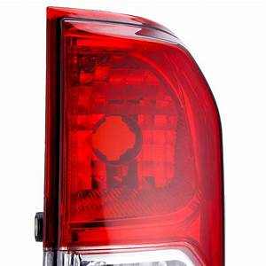 New Car Rear Tail Light Red With No Bulbs Wire Left  Right For Nissan Navara Np300 2015
