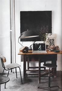 Petit Bureau Noir : un petit bureau industriel en noir et blanc paperblog ~ Teatrodelosmanantiales.com Idées de Décoration