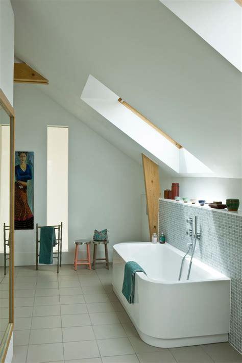 salle de bain dans chambre sous comble salle de bain sous combles 5 exemples bien aménagés