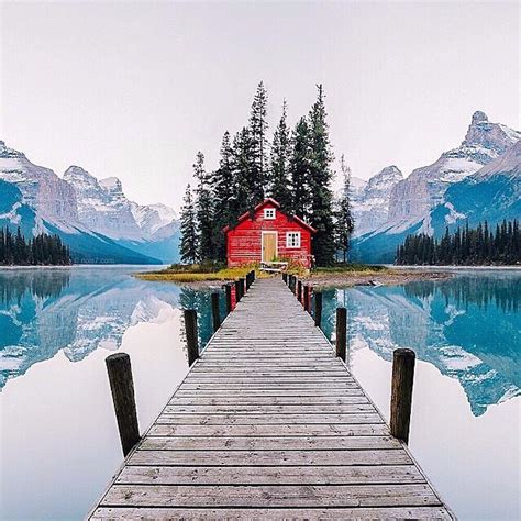 airbnb cabins  rent  winter  everygirl