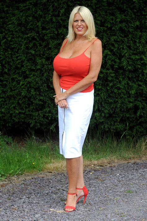 I Couldnt Be Happier Gran Splashes Divorce Cash On Mm