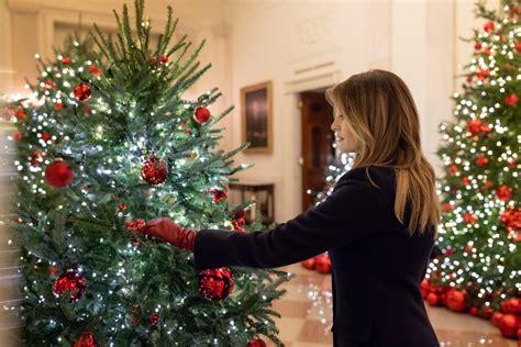 melania trump christmas lady whitehouse