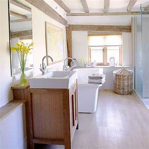 7 country bathroom cabinets ideal home for Victoria plumb bathrooms uk