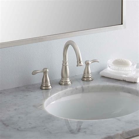 Brushed Nickel And Gold Bathroom Fixtures by Best 25 Brushed Nickel Ideas On Brushed