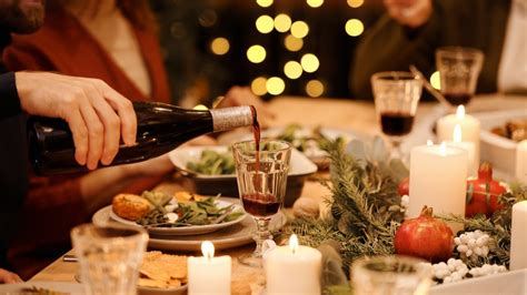 Christmas tea is a snack taken around 5 pm by those who have not already eaten too much at lunch time. Most Popular British Christmas Dinner - Traditional Christmas Dinner Menu Recipes Great British ...