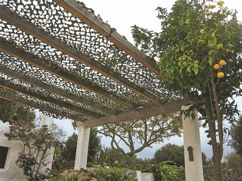pergolas abris de jardin pour se prot 233 ger du soleil en terrasse c 244 t 233 maison
