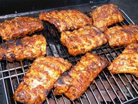 cuisiner des travers de porc travers de porc au barbecue pour 6 personnes 2kgs de