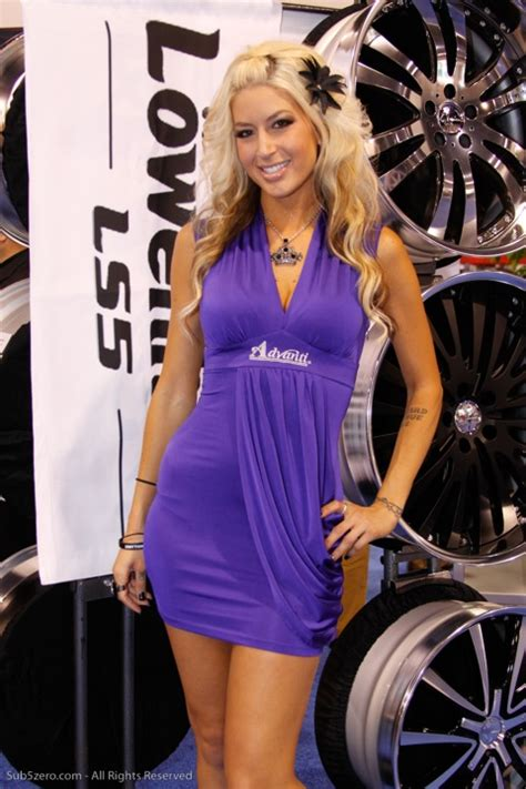 sema show  girls pictures booth babes promo models