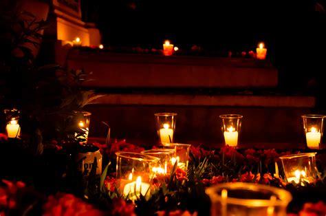 A Much More Somber Celebration - Frida Roam