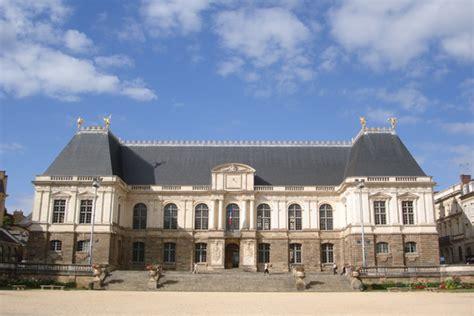 justice portail histoire et architecture de la cour d