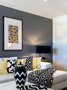 Coussin Gris Et Jaune : 1001 variantes de salon gris et jaune pour vous inspirer ~ Dailycaller-alerts.com Idées de Décoration