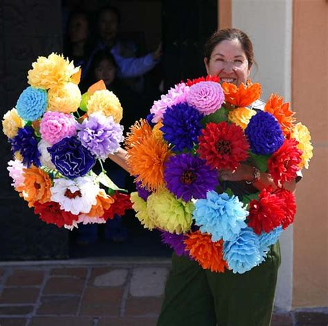 31 Crafty Flowers Day One Mexican Tissue Paper Flowers