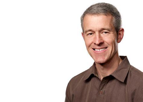 apple coo jeff williams talks democratization of medicine