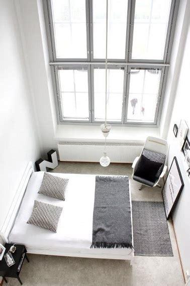 decoration chambre blanche déco minimaliste dans une chambre blanche et grise