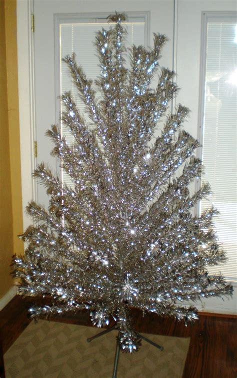 evergleam aluminum tree 1960 s 6 foot vintage aluminum