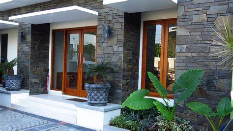model teras rumah minimalis batu alam desain rumah minimalis