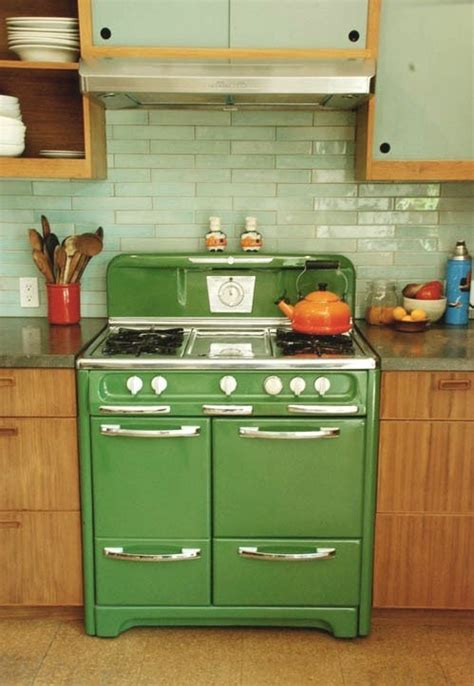 avocado green kitchen 1000 ideas about brown kitchens on ceramic 1396