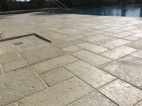 piastrelle bordo piscina pavimento acaya multiformato colore beige griglia bordo