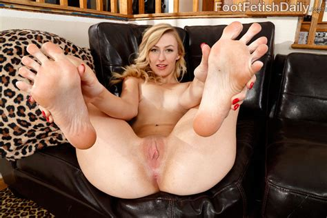 Alexa Grace Gives Footjob And Gets Pussy Fucked 1 Of 2