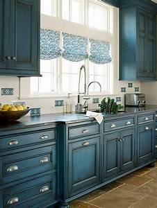 comment repeindre un meuble une nouvelle apparence With couleur de peinture bleu 1 peinture 2 le petit atelier de reve