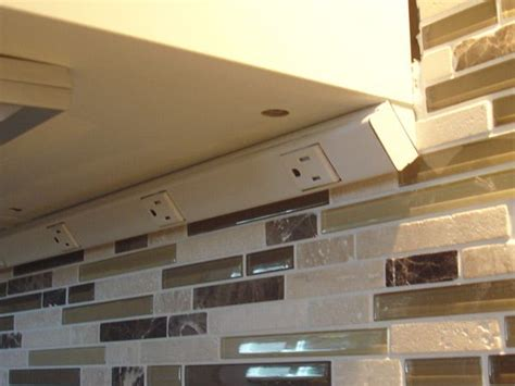 under cabinet lighting with outlets 20 best images about smart ideas on pinterest urban