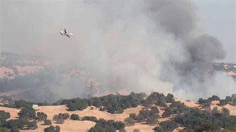 crews battle  acre wildfire  el dorado county