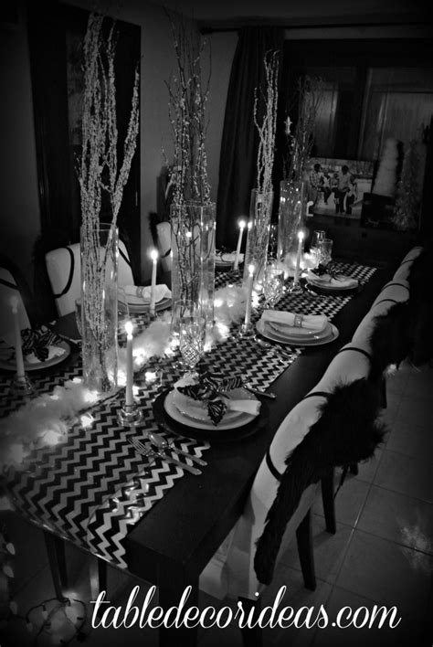 chevron christmas black and white theme table decor ideas