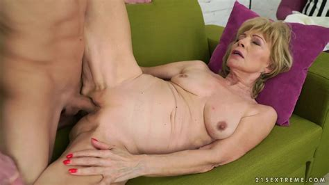 blonde granny szuzanne blows a cock and gets fucked in her aged pussy porndoe
