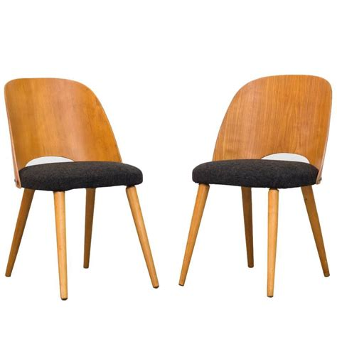 pair of thonet barrel back beech dining chairs for sale at