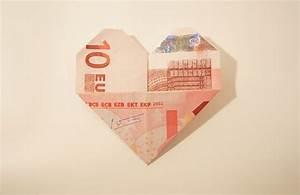 Herz Basteln Geld : geldscheine einfach und schnell zum herz falten inkl ~ A.2002-acura-tl-radio.info Haus und Dekorationen