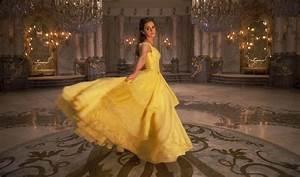 photo la belle et la bete 2017 robe jaune With robe de belle et la bête