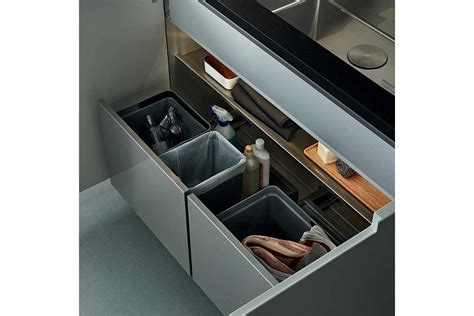 Cleaning Kitchen Cupboard Doors by Kitchen By Cr S Varenna For Poliform Home