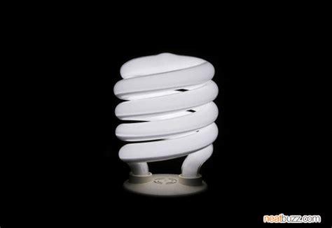 4 dangers of fluorescent light bulbs neatbuzz
