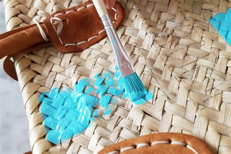 autoreifen bemalen welche farbe autoreifen bemalen welche farbe diy autoreifen bunt anmalen als gartengestaltung wippe aus