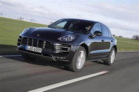 2015 porsche macan turbo front three quarter in motion 06