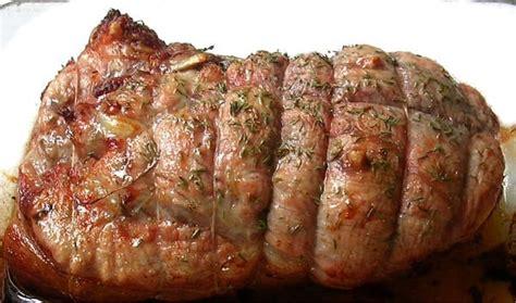 cuisiner un roti de veau au four rôti de veau au four et ses petits légumes marmite du monde
