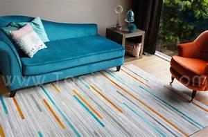 Tapis cuir posy home sprit tapis chic le blog for Tapis peau de vache avec recouvrir un canapé en cuir avec du tissu