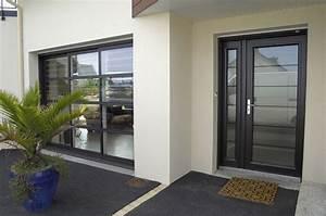 vue de la porte d39entree et de la baie vitree idees pour With porte de garage vitrée