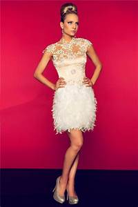 Light Pink Lace Mother Of The Bride Dress Sheath High Neck Cap Sleeve Backless Short White Feather