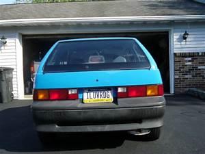 1991 Geo Metro Xfi Hatchback 2
