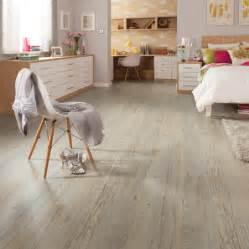 vinyl plank flooring bedroom karndean loose lay country oak in the bedroom supplied by evolved luxury floors gold coast