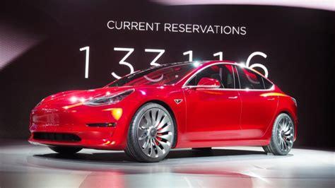 Tesla Model 3 Vs Chevy Bolt 2017