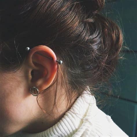 piercing oreille femme industrielle et lobes tatouage piercings piercing oreilles et piercing industriel