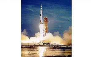 Veja imagens de Neil Armstrong, o 1º homem a pisar na Lua ...