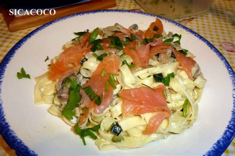 p 194 tes fra 206 ches au saumon fume et petits legumes les